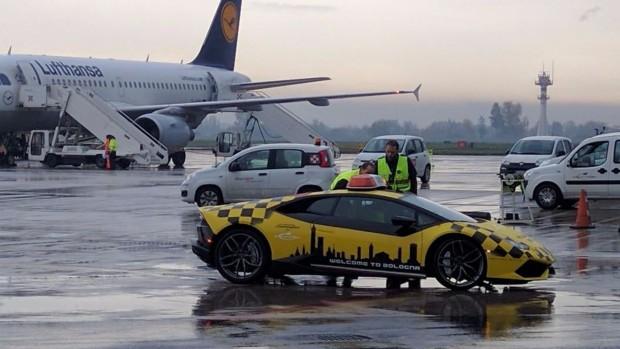bologna-airport-lamborghini-huracan (2)