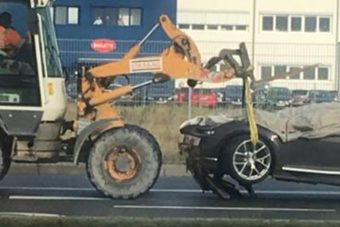Itt az első Bugatti Chiron baleset