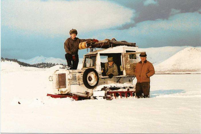 FC-FB10-cb-snowtractor-02