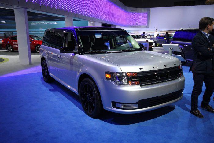 Rettenetesen csúnya,de praktikus jószág a Ford Flex, 36 ezer dollár körüli áron