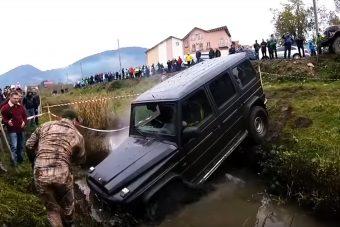 Mercedest így nem sokszor kínoznak meg