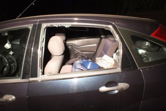 Lakodalom alatt törte fel sorra az autókat