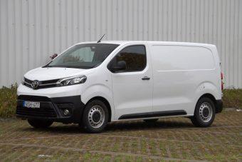 Kanapészállítós teszt az új Toyota Proace furgonnal