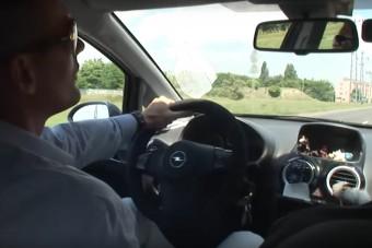 Videón a legpofátlanabb magyar tanulóvezető