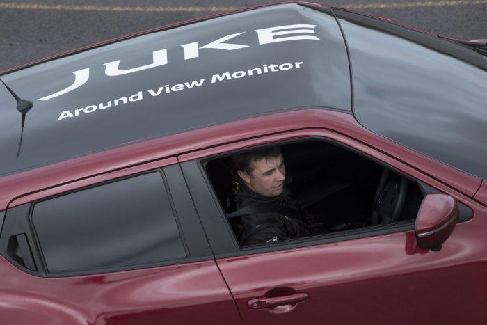 Ez a fóliázás valamivel sötétebb, mint amit a rendőr elnézne neked. Viszont nem is bámulnak be az ablakon.