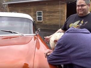 Álmai autóját kapta meg a fiától