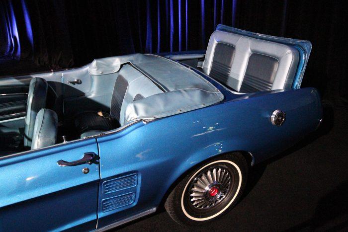 Három üléssoros Mustang abból az időből, amikor ez még nem volt divat