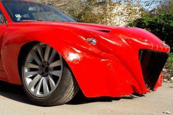 Felismerhetetlenné gyalázott BMW eladó