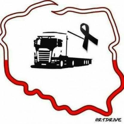 Gyakran találkozni ezzel a képpel a közösségi oldalakon, melyet a lengyel kamionsofőr emlékére készítettek.