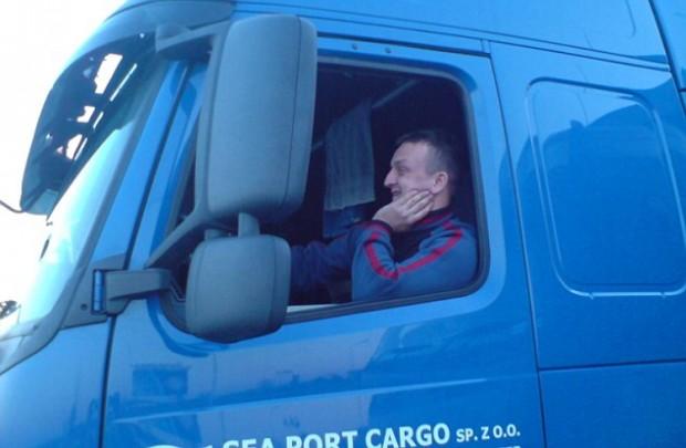 A lengyel kamionsofőr megpróbálta félrerántani a kormányt.
