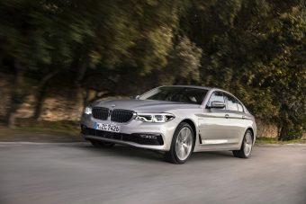Konnektorról tölthető az 5-ös BMW hibridje