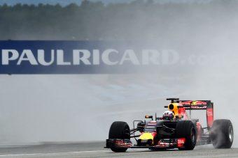 Hamilton: Rossz pályára vitték a Francia Nagydíjat!