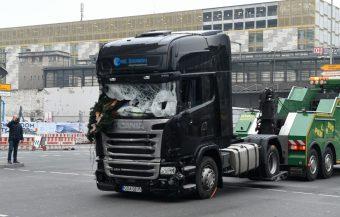 Déli dudaszóval emlékeznek a meggyilkolt lengyel kamionsofőrre