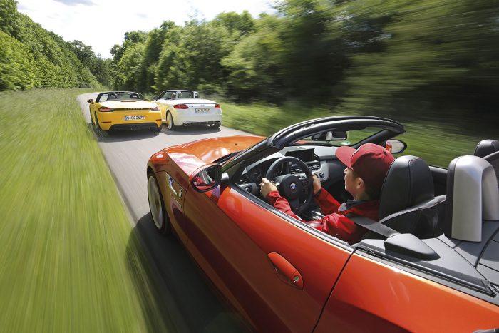 9,0 másodperc alatt nyitja a TTS a vászontetejét, a Porsche 11, a BMW 27 másodperc után növeli a szabadságérzetet