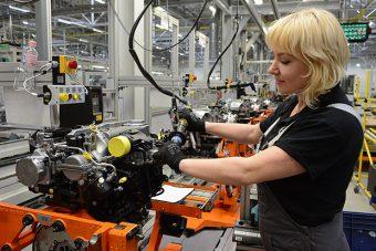 Magyarországra kerül a Peugeot-motorok gyártása