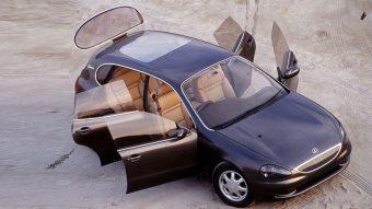 23 éve még kompakt autóba is V8-ast tervezett a Lexus