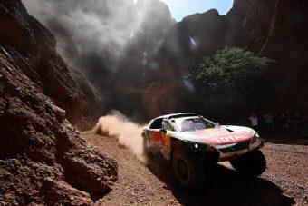 Loeb őrzi vezető helyét a Dakaron