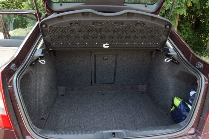 Hatalmas csomagterén túl is remek családi autó az Octavia második generációja