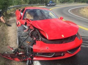 Túl hamar jött a kanyar, lezúzta a kölcsön-Ferrarit