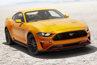 Figyelni fog a gyalogosokra a Ford Mustang