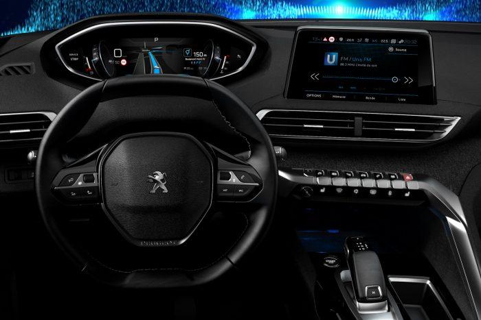 Technológiai különdíj: a Peugeot i-cockpit műszerfala fontosabb innováció, mint a Renault Zoe megnövelt kapacitású akkucsomagja, vagy az Audi SQ7 48 voltos elektromos rendszere. Ezzel mondjuk vitába szállunk, de az eredmény ettől nem változik.