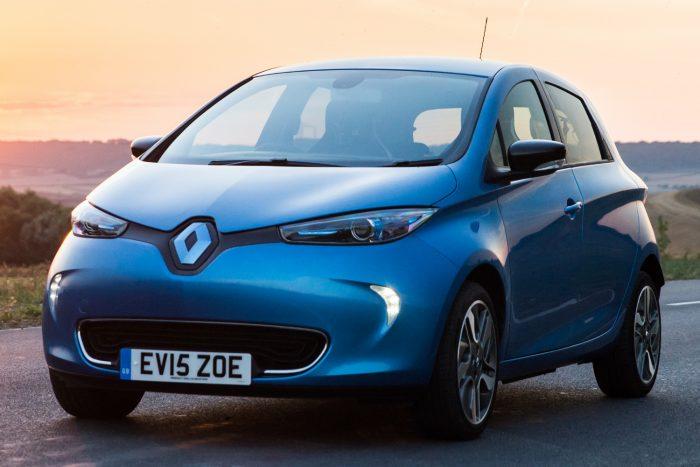 Villanyautó: az olcsó Renault Zoétól a futurisztikus BMW i3-on át az agyonhype-olt Tesla Model S-ig húzódott a paletta, és a legkisebb bizony elverte drága ellenfeleit.