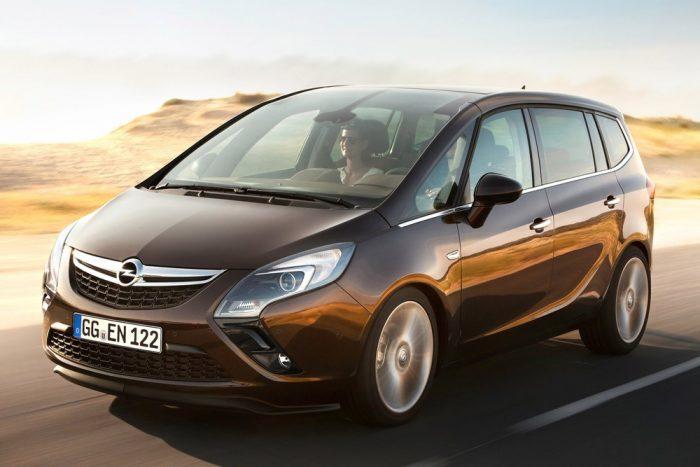 Új arc a régi testen: Opel Zafira 3