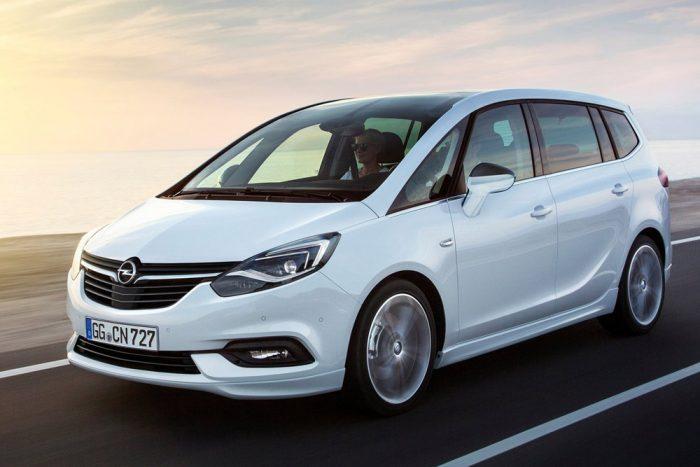 Új arc a régi testen: Opel Zafira 4