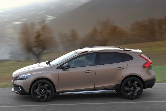volvo_v40_cross_country_d3_2