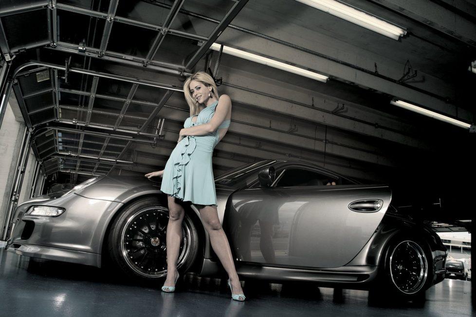 car-girls-wallpapers-11