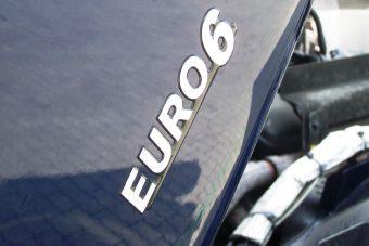 Így veszélyeztethetik egészségünket a trükköző európai fuvarozók