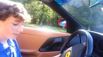 11 évesen elvitte apja kocsiját, rendőrök állították meg