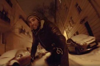 A budapesti srác snowboarddal ment munkába