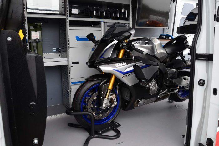 Movano Race Van Concept és Yamaha YZF-R1M