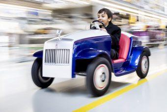Jótékony célra épített játékautót a Rolls-Royce