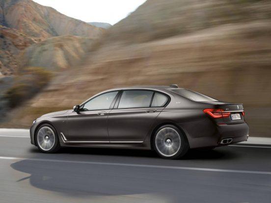 BMW-M760Li-xDrive-V12-2