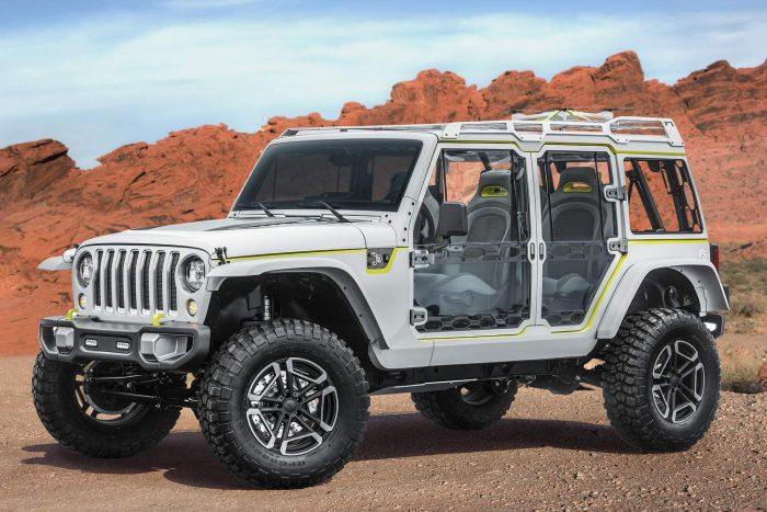 Jeep Safari Igazi családi járgány a szélvédelmet tökéletes kilátással kombináló Wrangler. Átlátszó teteje csak a kezdet; tartozik hozzá egy drón, a lámpák mind LED-esek, a szélvédőt megdöntötték. Az ablakok alumínium keretre feszített plexilapok, az ajtónyílások cipzárral megközelíthetők, a hátsó kagylóülések kifelé fordulnak. 3.6 V6 hatfokozatú automatával, 5 centis emelés, menet közbeni kerékfújást lehetővé tevő kompresszor.