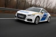 Megnéztük, mivel védi a rendőrség a magyar határt 10