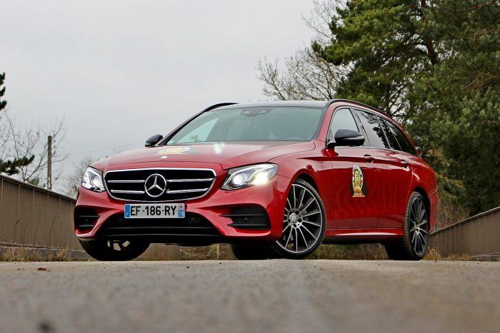 A képzeletbeli dobogó harmadik fokára állhat fel a Mercedes E-osztálya 196 ponttal. Olvasóink szintén a harmadik helyre tették, 16 százalékos tetszéssel. Nálam a második volt 5 ponttal a 25-ből