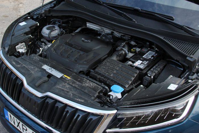 1,4 literes turbós benzines nem túl rugalmas, de tisztességgel mozgatja a nagy testet
