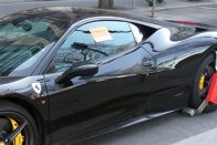 Ismét megbilincselték Budapesten azt a Ferrarit, ami már többször lakatot kapott 2