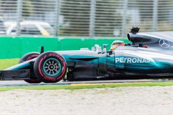 F1: Hamilton uralta az idény első edzésnapját