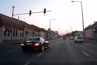 Videón egy roppant merész szombathelyi előzés