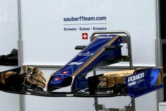 F1: Japán pilótát kaphat a Sauber