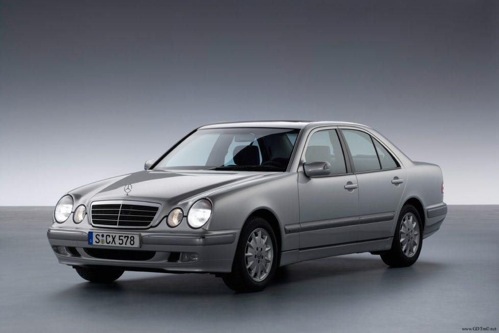 Mercedes E-osztály W210