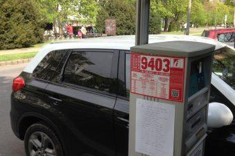 Verssel üzent egy autós