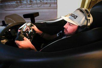 F1: Alonso megmutatta az új sisakfestését