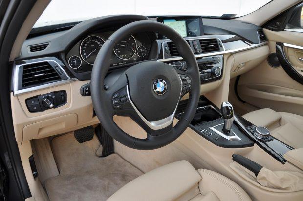 Messze a BMW menüje és kezelőszervei használhatóak a legkönnyebben