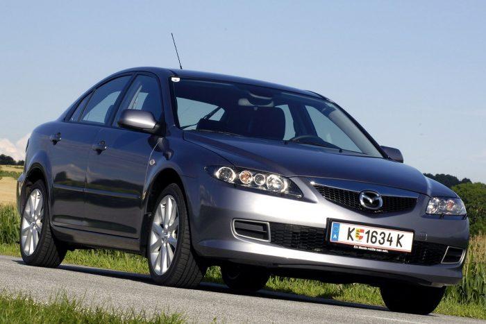 Mazda 6 (2005. március 14. – 2007. április 9.) Ugyanaz a Takata-jelenség, mint a Teslánál: a vezető- és utasoldali légzsák túl nagy erővel nyílik, és viszi magával a burkolatát, meg esetleges fémdarabokat.