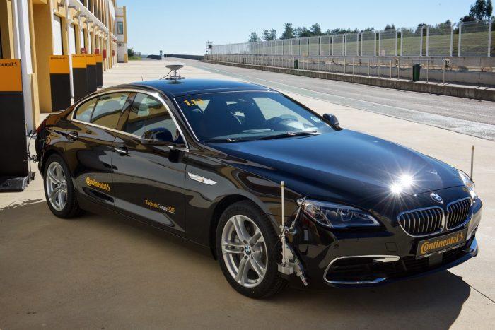 Hogy ne csak érzésből fejlesszen a Conti: szenzorokkal teletűzdelt teszt-BMW